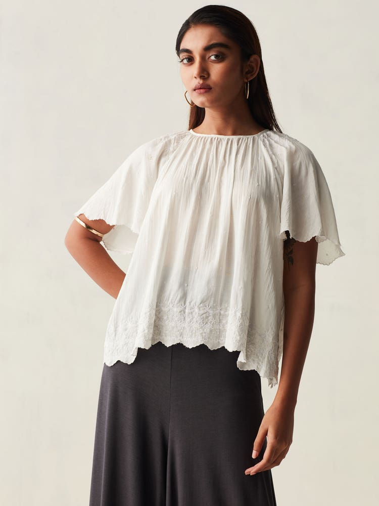 White Crinkled Scallop Hem Top