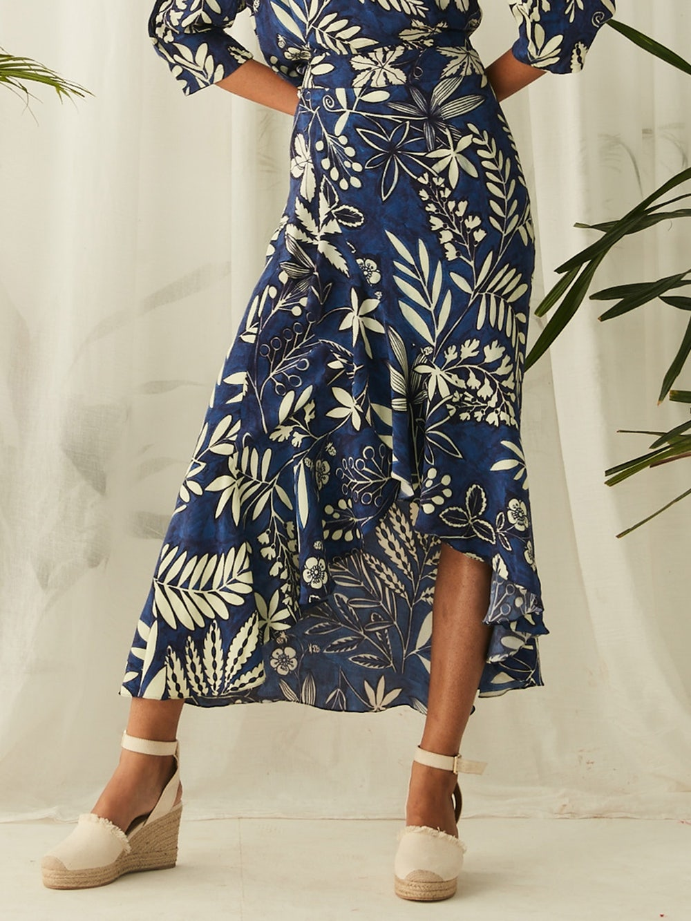Blue Floral Print Ruffle Skirt