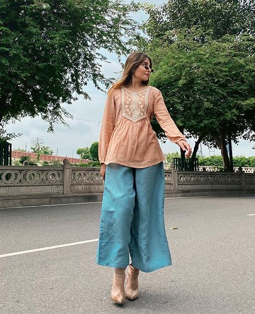 Arushi Tripathi 012